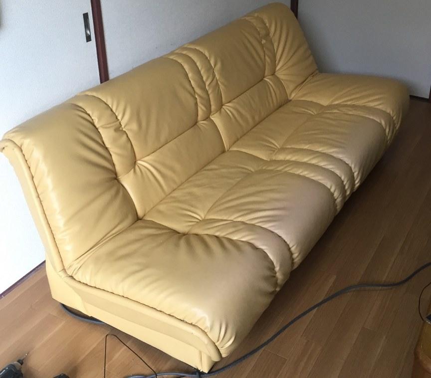 三人掛けソファー